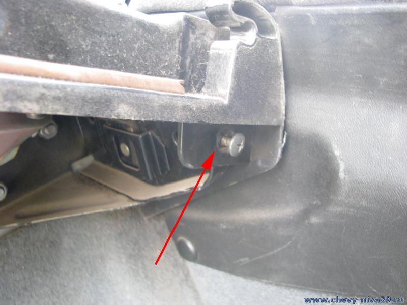 Подсветка багажника шевроле нива своими руками6
